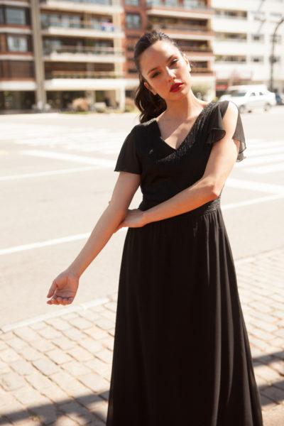 Vestido de gasa combinada y hombro abierto.Cómoda , venta mayorista en el barrio de flores. Vestidos , Remeras ,Blusas , Pallazos , Enteritos.