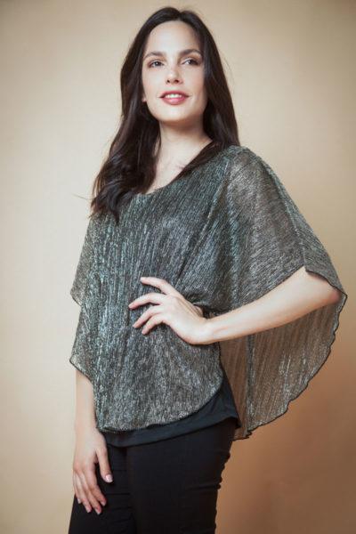 Blusa poncho clásico con forro al cuerpo.Cómoda , venta de ropa por mayor en Flores. Fabricantes de Vestidos , Blusas , Palazzos y Remeras.
