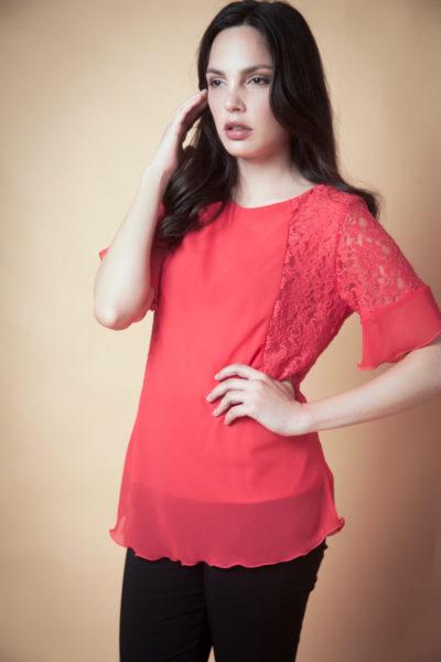 Blusa con Encaje combinada con Gasa. Comoda , venta de ropa por mayor en Flores. Fabricantes de Vestidos , Blusas , Palazzos y Remeras.