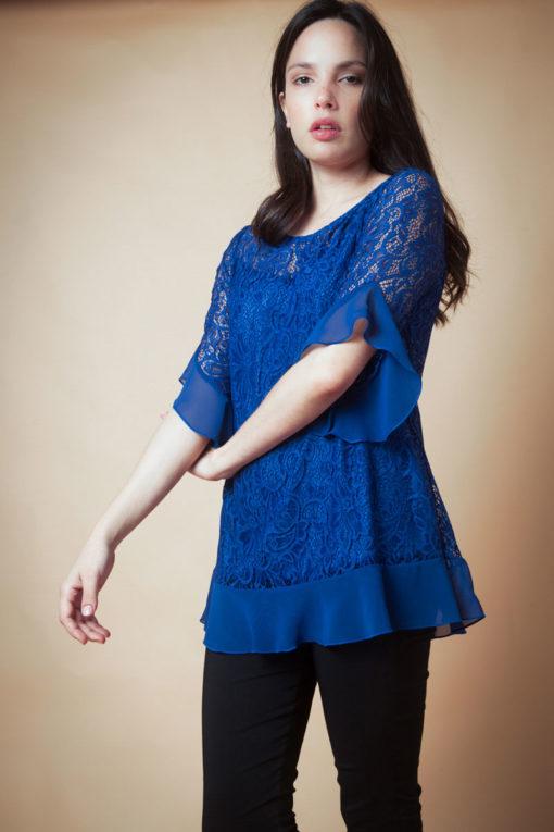 Blusa encaje combinada con gasa y manga con vuelo.Cómoda , venta de ropa por mayor en Flores. Fabricantes de Vestidos , Blusas , Palazzos y Remeras.