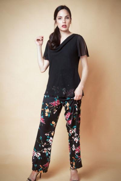 Blusa buche clásica en gasa y manga corta abierta .Cómoda , venta de ropa por mayor en Flores. Fabricantes de Vestidos , Blusas , Palazzos y Remeras.