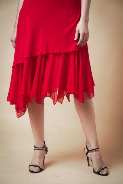 Vestido clásico con buche y vuelo irregular en pierna. Comoda , venta por mayor de ropa femenina en el Barrio de Flores