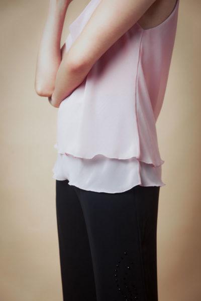 Musculosa Fina por mayor .Musculosa de bretell .Cómoda , venta de ropa por mayor en Flores. Fabricantes de Vestidos , Blusas , Palazzos y Remeras.
