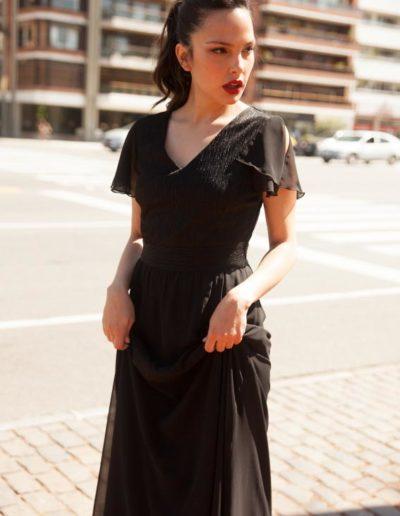Vestido en gasa combinada y hombro abierto.Cómoda , venta de ropa mayorista en el barrio de flores. Fabricantes de Vestidos , Remeras ,Blusas , Pallazos , Enteritos.